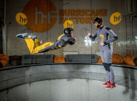 Indoor skydiving se záznamem na USB