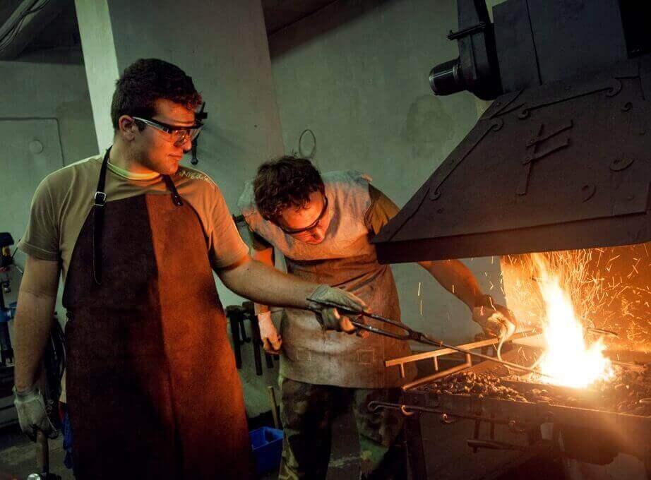 Levně Zážitkový kovářský kurz