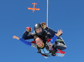 Tandemový seskok z 6000 m