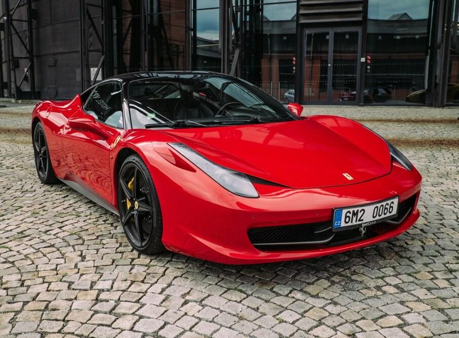 Jízda ve Ferrari 458 Italia - 10 minut -