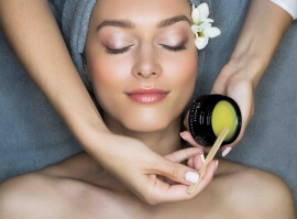 Bio péče o pleť a nehty s organickou kosmetikou