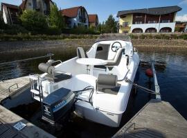 Výlet motorovým člunem po Lipně