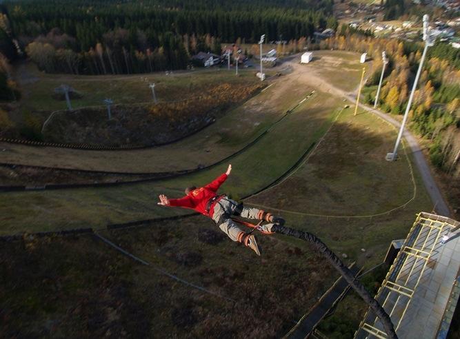 Bungee Jumping z TV věže v Harrachově