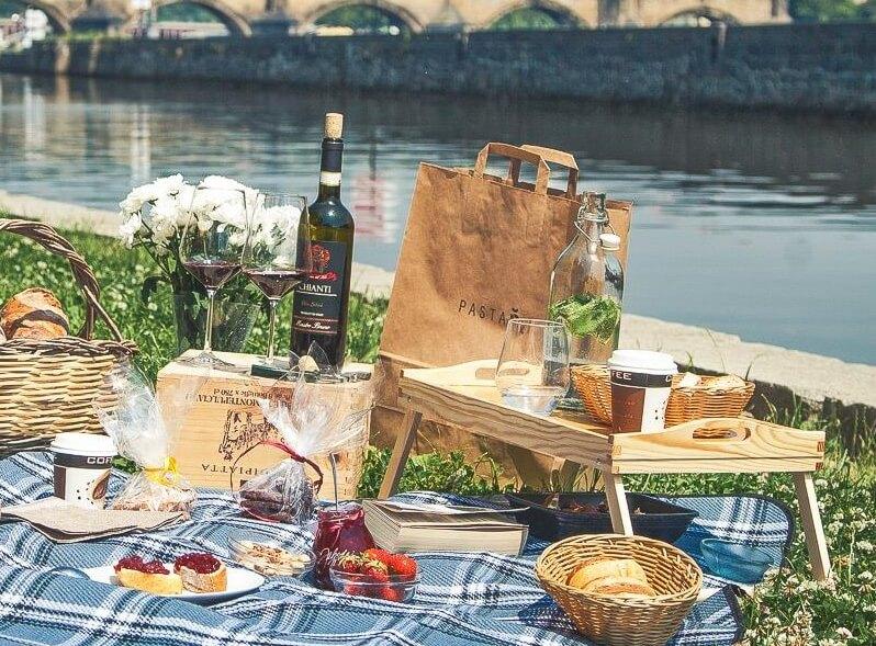 všechno nejlepší k narozeninám italsky Italský piknik pro dva s lahví Prosecca | Allegria Firma na zážitky všechno nejlepší k narozeninám italsky