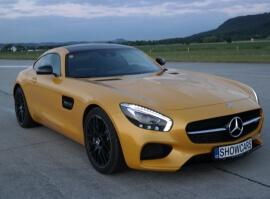 Mercedes AMG GTS V8 BiTurbo - sprint na letišti