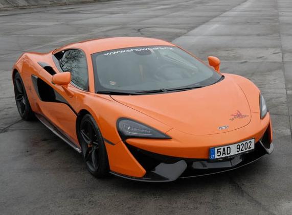 Dálniční jízda v McLaren