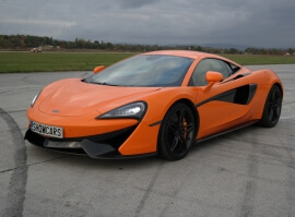 McLaren- sprint na letišti