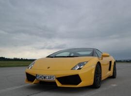 Lamborghini Gallardo LP560 - sprint na letišti