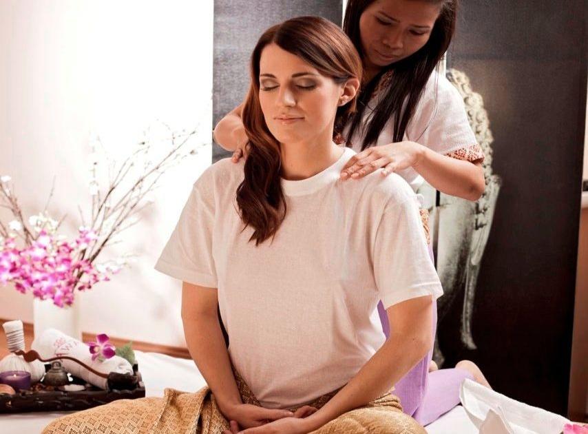 Massage og escort skjern smukke thai kvinder